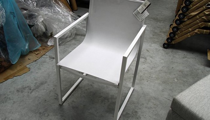 Manutti dining chair Latona